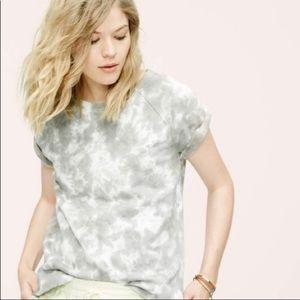 Lou & Grey Tie Dye Short Sleeve Sweatshirt • M